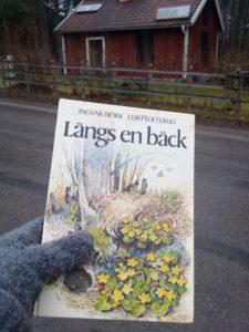 Önafors_Lillånstugan_20170205 bok Längs en bäck